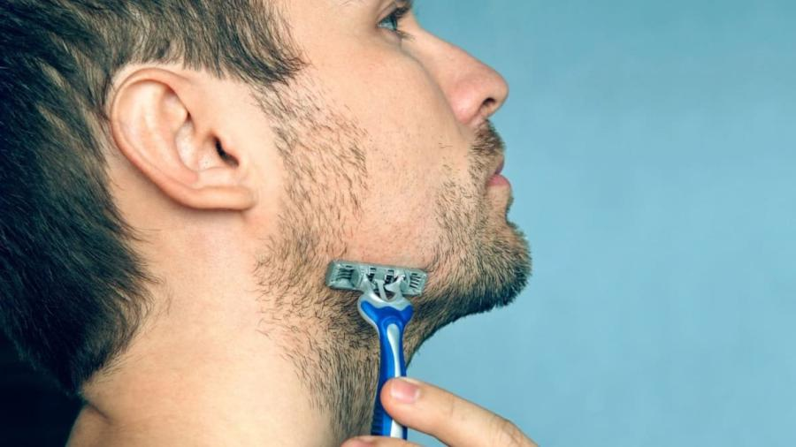 Do you need to use hot or cold water when shaving? 1