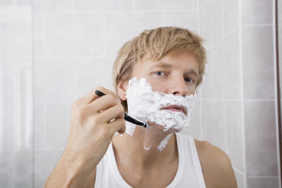 Should I use a traditional razor or an electric razor? 3